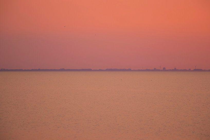 Zomeravond op de Waddenzee van Jannie de Graaf