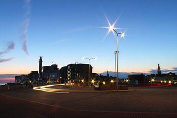 Boulevard bij avond, Verkeer in de avond, Mooi Zeeland van Jos Wielemaker