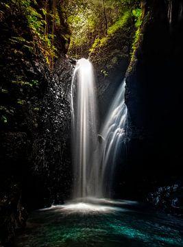 Waterval op Bali..... van Wim Schuurmans