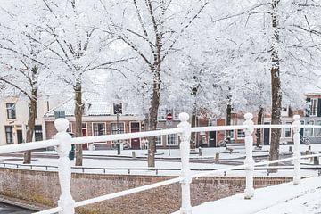 Typisch Nederlandse huizen in Kampen in de winter van Sjoerd van der Wal