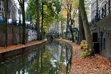 Utrechtse gracht in herfstkleuren van David Klumperman