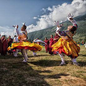 Bhutanese dansers op het Wangdi Festival in Bhutan. One2expose Wout Kok van Wout Kok