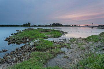 Sonnenuntergang an der IJssel in Windesheim Provinz Overijssel