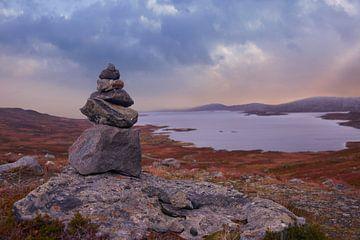 Herbstliche Landschaft in Norwegen von Anam Nàdar
