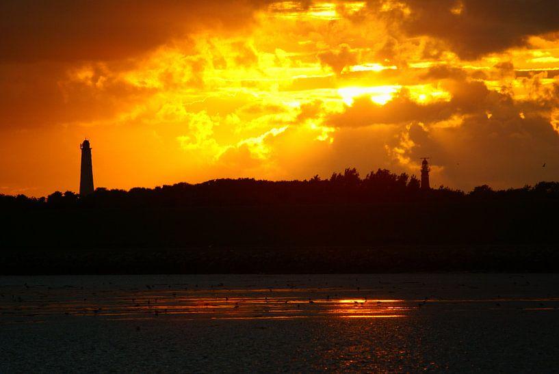 Zonsondergang met natuurlijke spiegel von Gerjo Radema