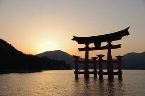 Zonsondergang bij Miyajima van