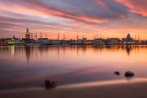 Skyline Kampen met mooie zonsondergang