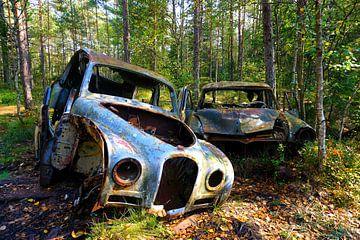 Cimetière de voitures à Kyrkö Mosse Suède : un voyage dans le temps sur Thomas Zacharias