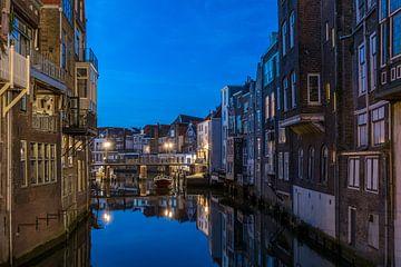 Dordrecht in de avond van Linda de Waard