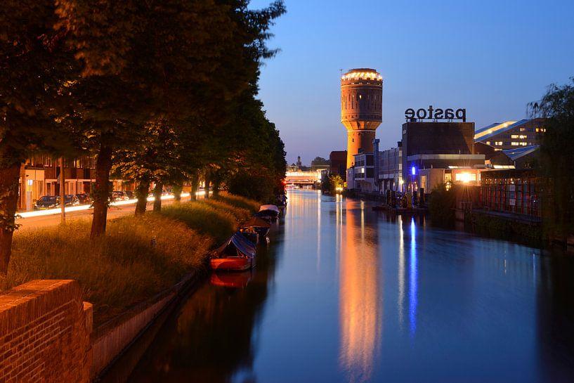 Vaartsche Rijn met watertoren Heuveloord en Pastoe in Utrecht van Donker Utrecht