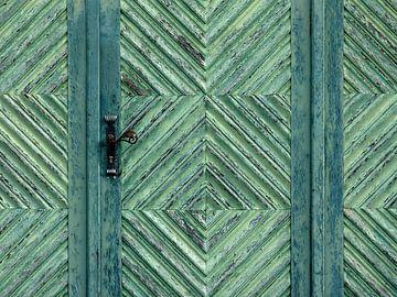 Green Door (Groene Deur) van Caroline Lichthart