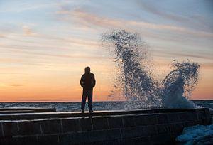 Man Aan Baltische zee