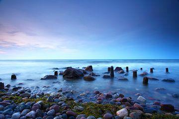 Op het strand van de zee van Frank Herrmann