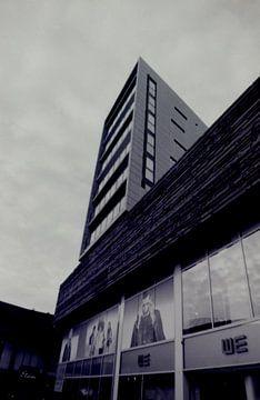 Zomaar een gebouw midden in Almere sur Melvin Meijer