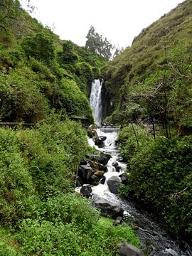 Peguche waterval in Ecuador van Laura Balvers