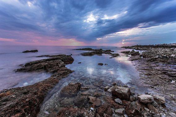 Kleurrijke Zonsondergang  van Ruwan Silva