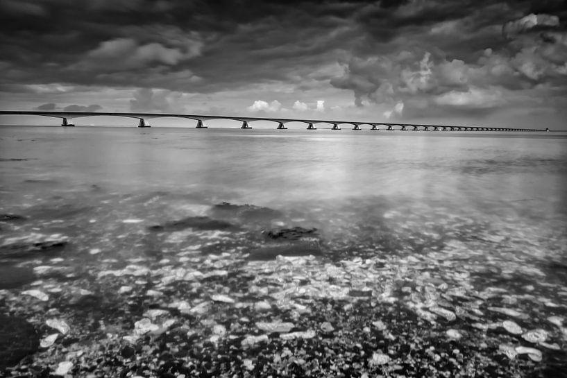Lange sluitertijd Zeelandbrug (VII) van Mirjam Boerhoop - Oudenaarden