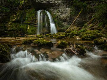 Cascades des Combes in de Franse Jura van Jos Pannekoek
