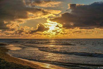 Texel zonsondergang van Angela Wouters