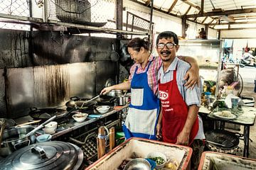 Thailand, Stadt Phuket, Straßenrestaurant von Keesnan Dogger Fotografie