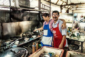 Thailand, Phuket city, straatrestaurant van Keesnan Dogger Fotografie