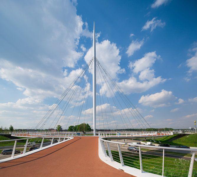Fietsbrug Hovenring, Eindhoven van Hennnie Keeris
