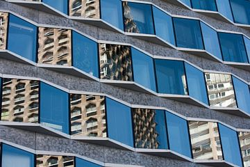 Zig-zag pattern in a facade sur Jim van Iterson
