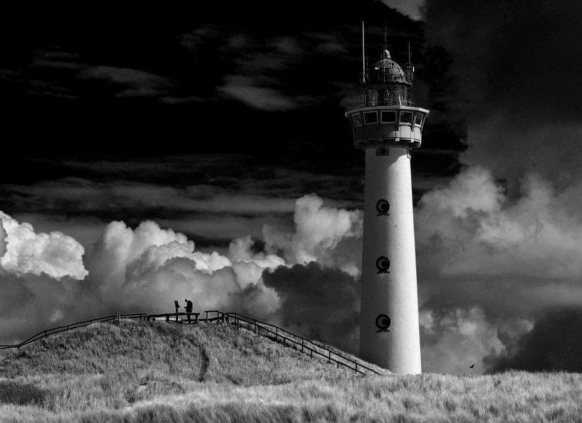 Vuurtoren Egmond aan Zee in zwart wit van Jackie van der Meulen