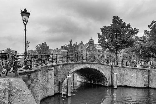 Pont sur le Reguliersgracht - Amsterdam sur Tony Buijse