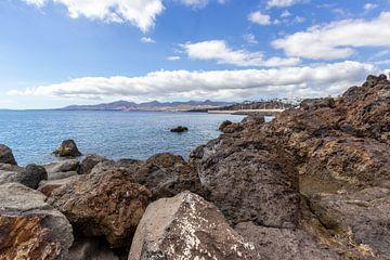 Felsküste von Puerto del Carmen auf Lanzarote von Reiner Conrad