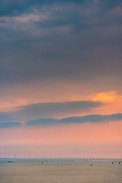 Gekleurde lucht met de Oosterscheldekering 3 van Percy's fotografie