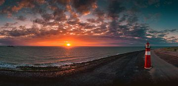 Vuurtoren Westkapelle zonsondergang 3 von Andy Troy