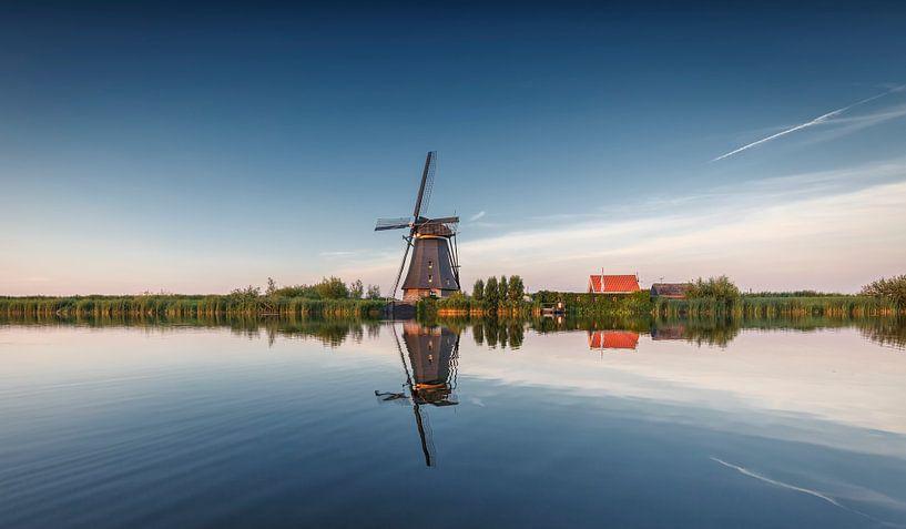 Kinderdijk rietgedekte achtkanter Nederland sur Rob van der Teen