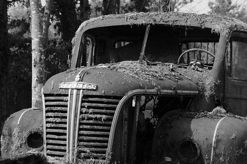Oude vrachtwagen van