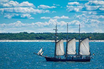 Windjammer on the Baltic Sea van Rico Ködder