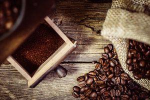 Koffiemolen en koffiebonen