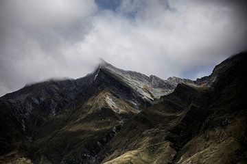 Mountain Peaks in the Clouds von Studio W&W