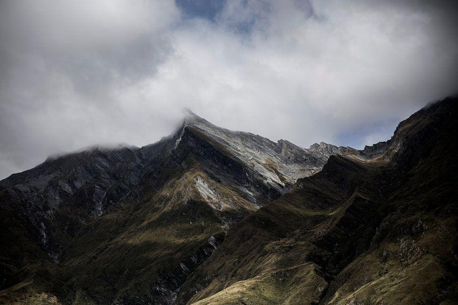 Bergtoppen in de wolken - Nieuw Zeeland