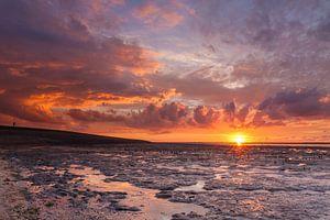 Rode zonsondergang bij Ternaard