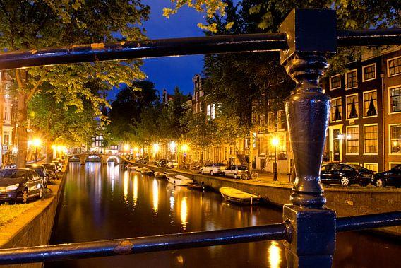 Gracht bij nacht, Amsterdam van martien janssen