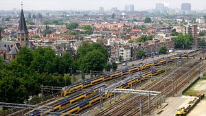 Zicht op Amsterdam en het spoor nabij Centraal Station