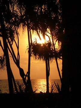 Zonsondergang op Bali van Anita Tromp