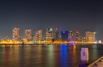 De Boompjes (Rotterdam) by night van Arisca van 't Hof