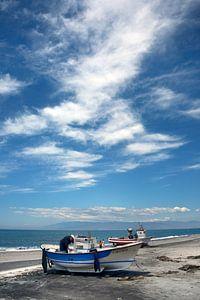 Bootje op t strand