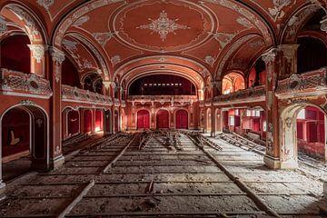Rotes Theater von Matthis Rumhipstern