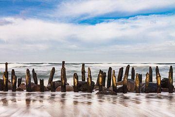 Buhnen an der Küste der Ostseeküste von Rico Ködder