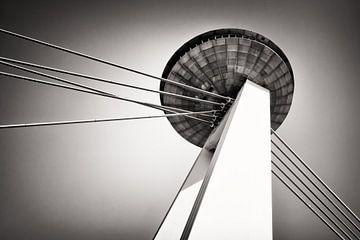 Bratislava - UFO Bridge van Alexander Voss
