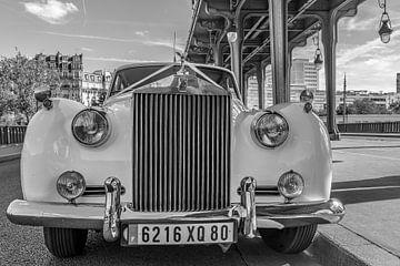 Rolls Royce in Parijs zwart wit van Patrick Löbler