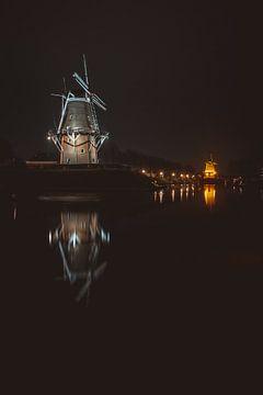 Verlichte molens in Dokkum van Youri Zwart