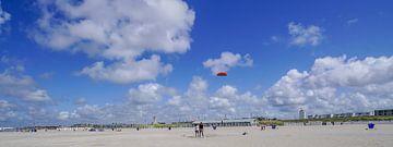 Strand von Katwijk aan Zee von Dirk van Egmond